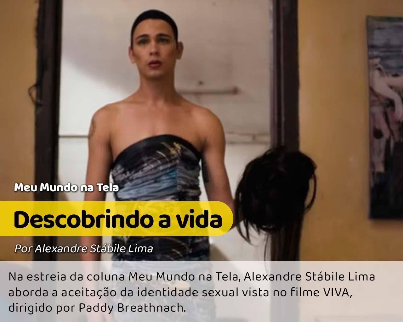 Cena do filme Viva, em que o personagem está se vestindo de drag